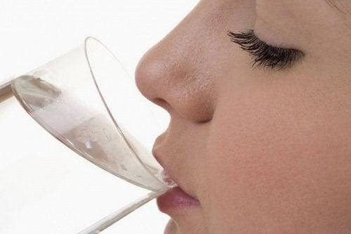 Что будет с нашим телом, если пить мало воды?