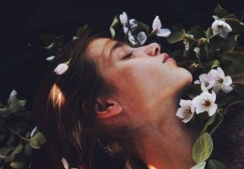 Есть вздохи, в которых любви больше, чем в поцелуях!