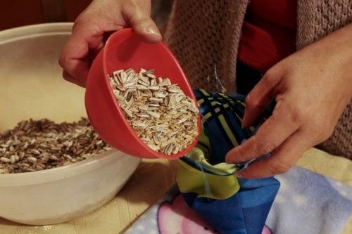 Мешочки с зерном против боли в суставах