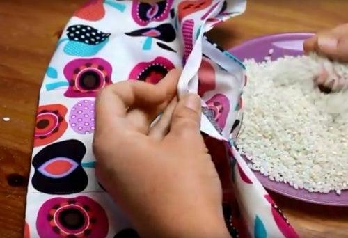 Мешочки с зерном против боли в мышцах