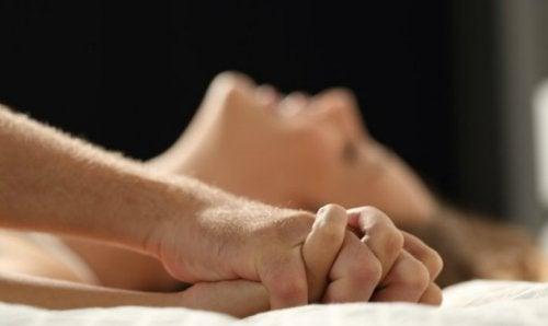Оргазм и спать в разных комнатах