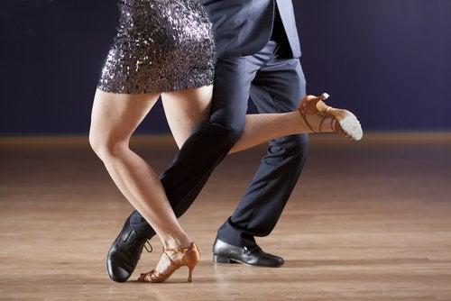 Танго и танцы