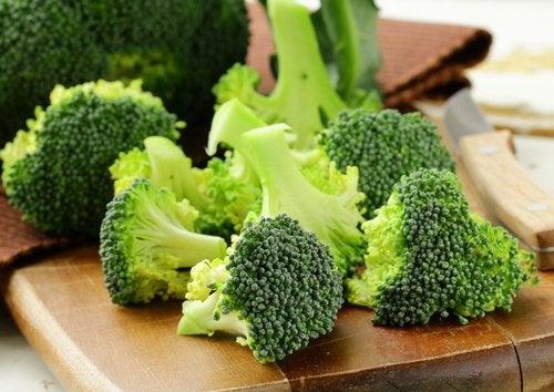 Суп из брокколи содержит много клетчатки