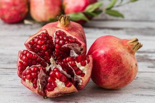 Гранат поможет очистить артерии и вены