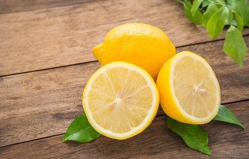 Задержка жидкостей в организме и лимон