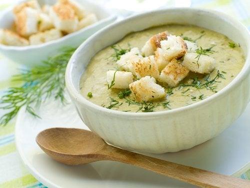 Суп из брокколи быстро насыщает