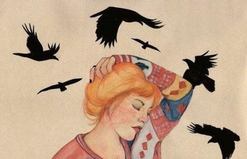 Женщина с птицами и эмоциональное здоровье