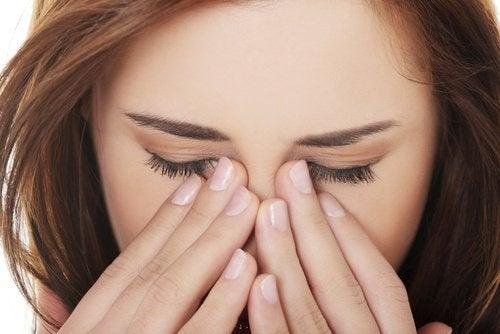 Уход за глазами и микробы