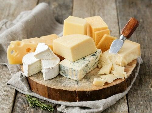 Сыр и салат