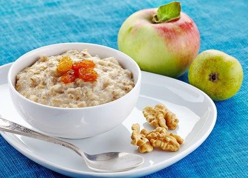 Простой продукт на завтрак поможет похудеть: ученые назвали лучший.