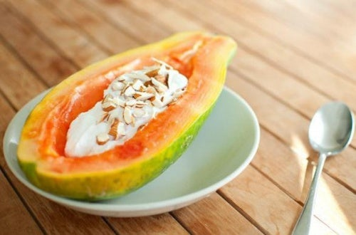 Папайя на завтрак поможет нормализовать пищеварение
