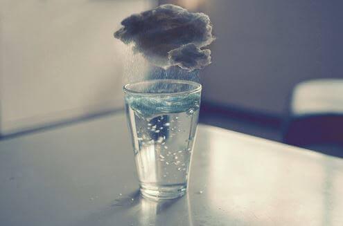 Стакан воды чтобы не расстраиваться