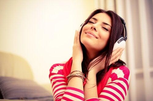 Энергичная музыка помогает победить усталость