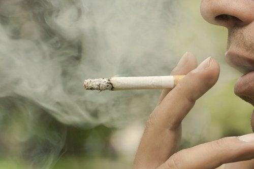 Курение не позволяет жить дольше