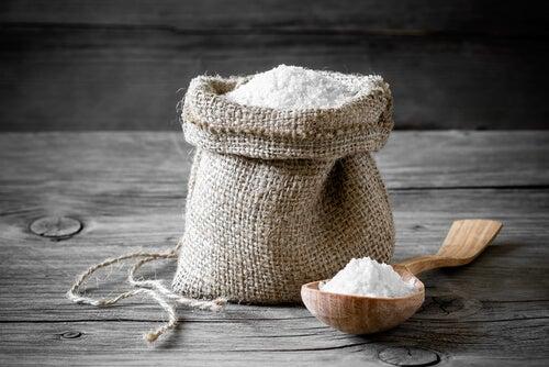 Соль поможетизбавиться от вшей