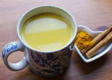 Целебный напиток из имбиря, корицы, куркумы, кокосового масла и меда