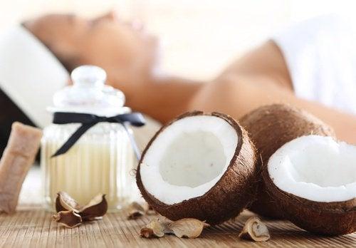 Коктейль из киви и кокоса