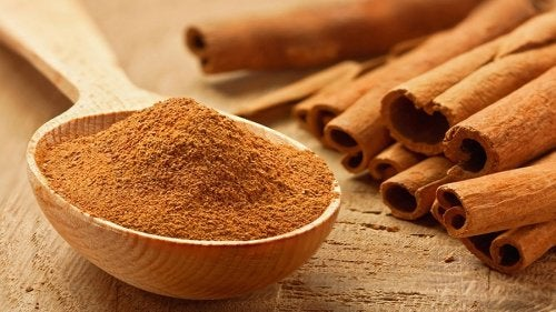 Корица поддерживает уровень сахара в крови в норме