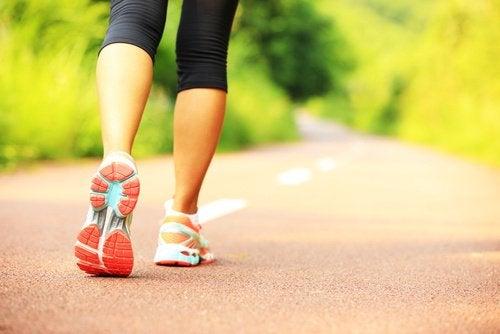 Чтобы добиться идеального тела, гуляйте хотя бы полчаса в день