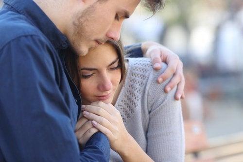 Эмоциональный дефицит убивает любовь