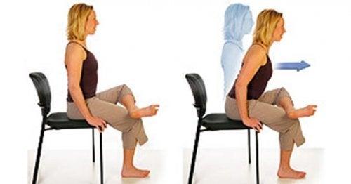 Упражнения на стуле при боли в седалищном нерве