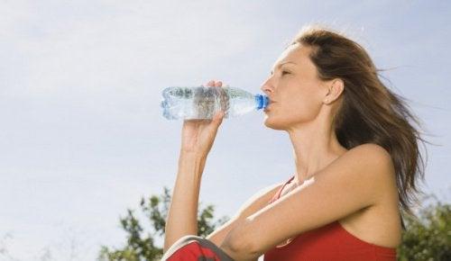 Вода поможет вывести токсины из организма