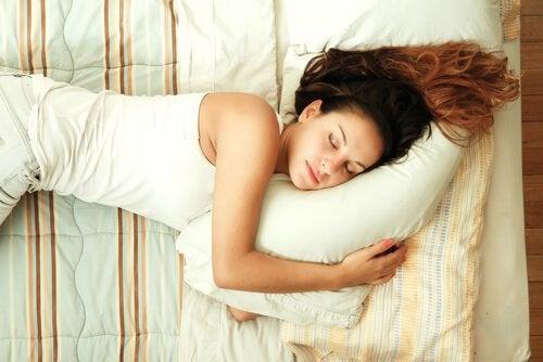 Подушки и клещи