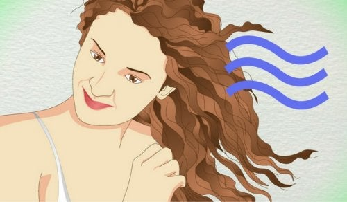 5 домашних средств, которые помогут завить волосы и не навредить им