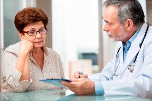 Ревматоидный артрит и консультация врача
