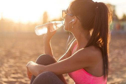 Вода помогает очистить организм
