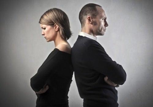 Проблемы в паре: 3 предвестника развода