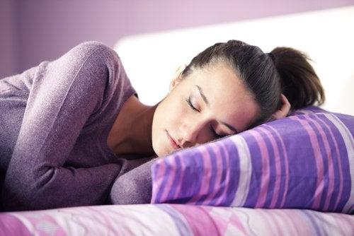 Спать и говорить во сне