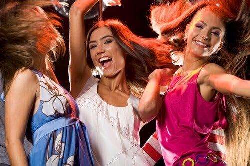 Танцевать полезно и это улучшает настроение