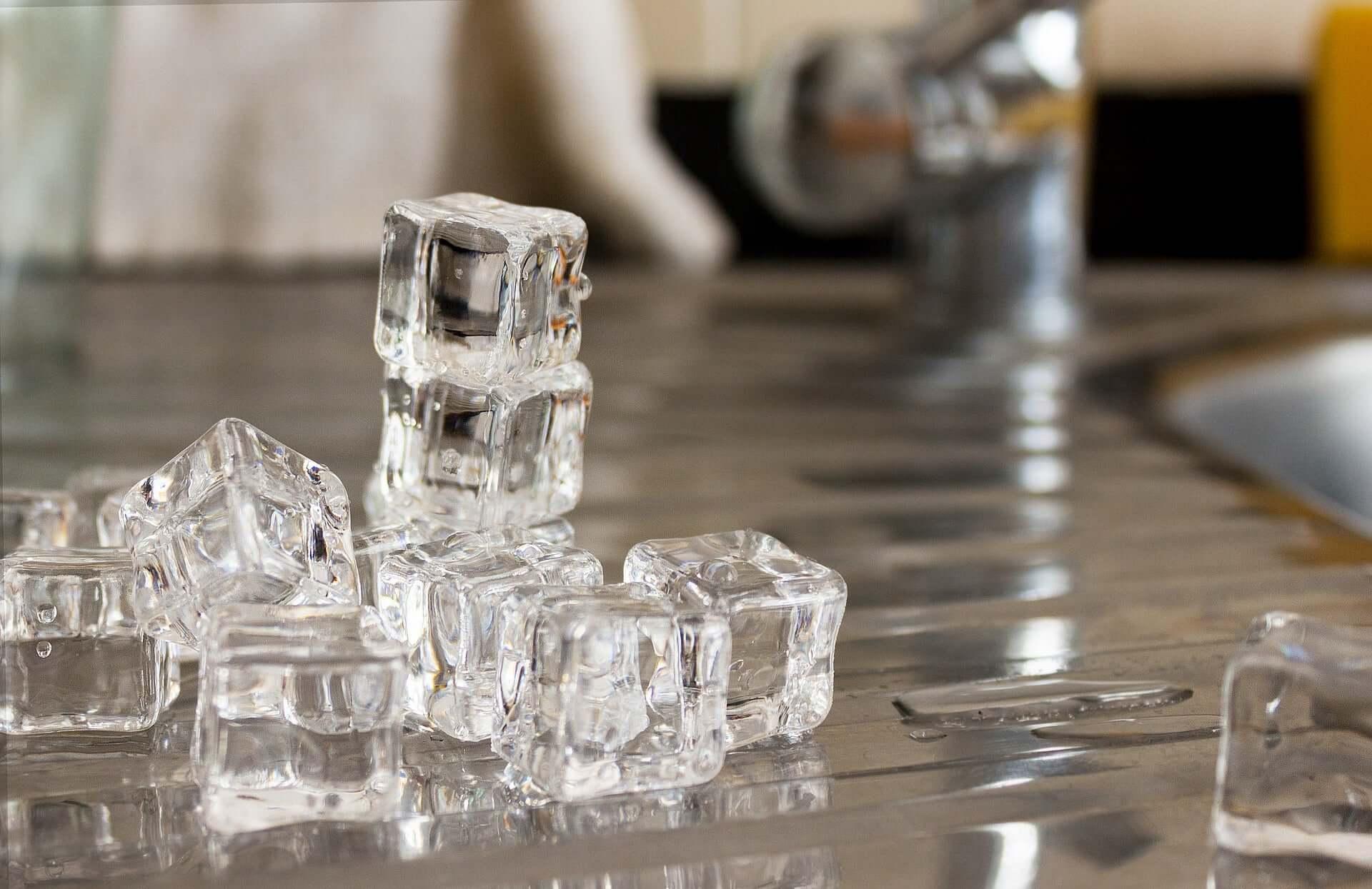 Точка фэн-фу массаж льдом
