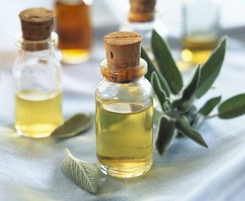 Эфирное масло шалфея для облегчения симптомов менопаузы
