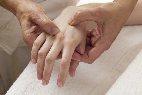 Остеопороз и ранняя менопауза