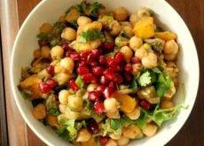 Полезный салат вместо обеда или ужина поможет похудеть