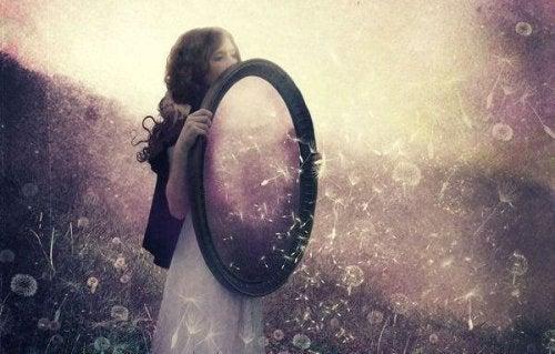 Как работает закон зеркала и что о нем нужно знать?