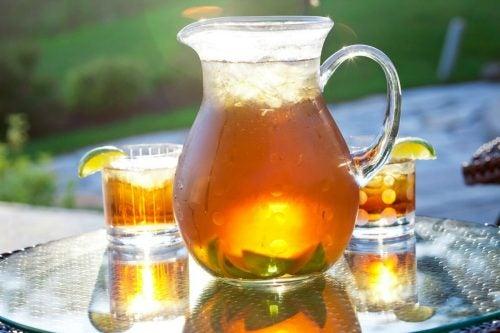 Чай со льдом и напитки