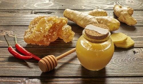 Мед и имбирь и отхаркивающие средства