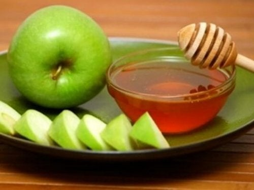 Зеленые яблоки и отхаркивающие средства