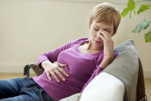 10 симптомов, которые могут предупредить вас о проблемах с желчным пузырем