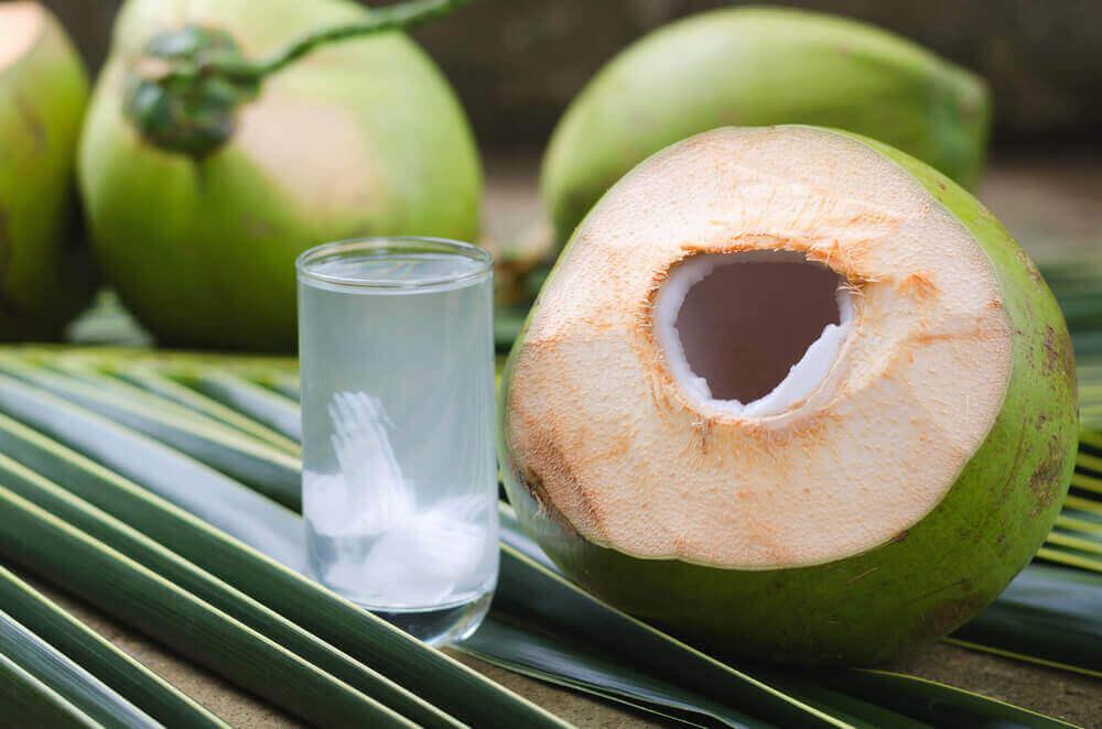 Кокосовоая вода