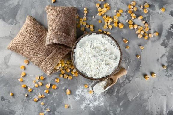 Как можно использовать кукурузный крахмал? 10 фантастических советов
