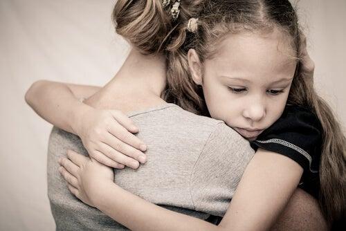 Мама с дочкой и мифы о психопатической личности