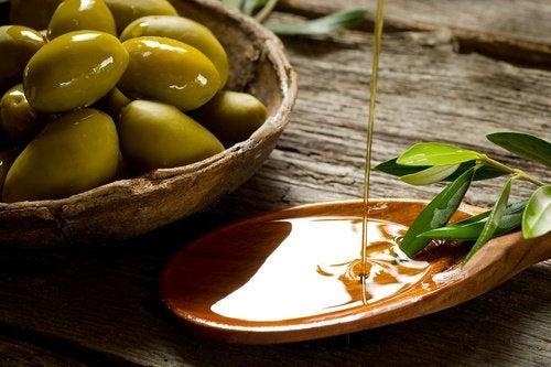Оливки для молодости кожи