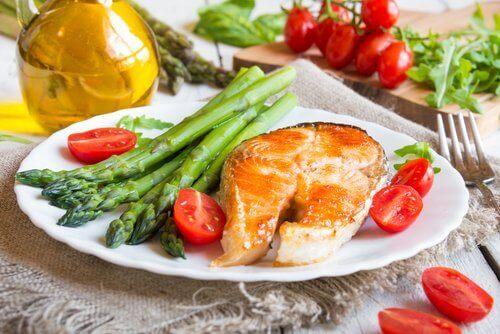 Легкий ужин поможет уменьшить объем талии