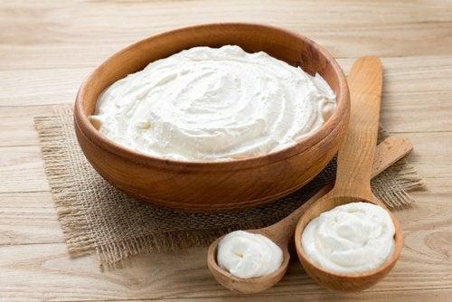 Маска из натурального йогурта и расширенные поры