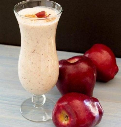Яблочный смузи для плоского живота