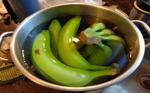 Банановый чай с корицей и бессонница